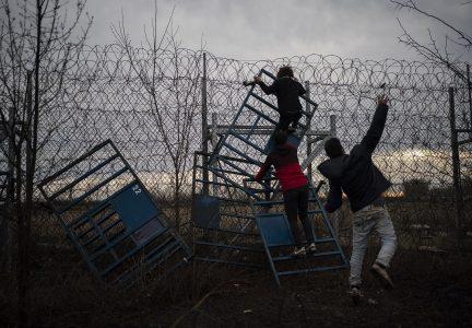 Ap 20066634118704 Hm Migrants1