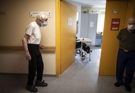 Ap 20110267918329 Hm France Nursing