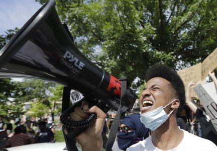 Ap 20164701211509 Hm Protests 1