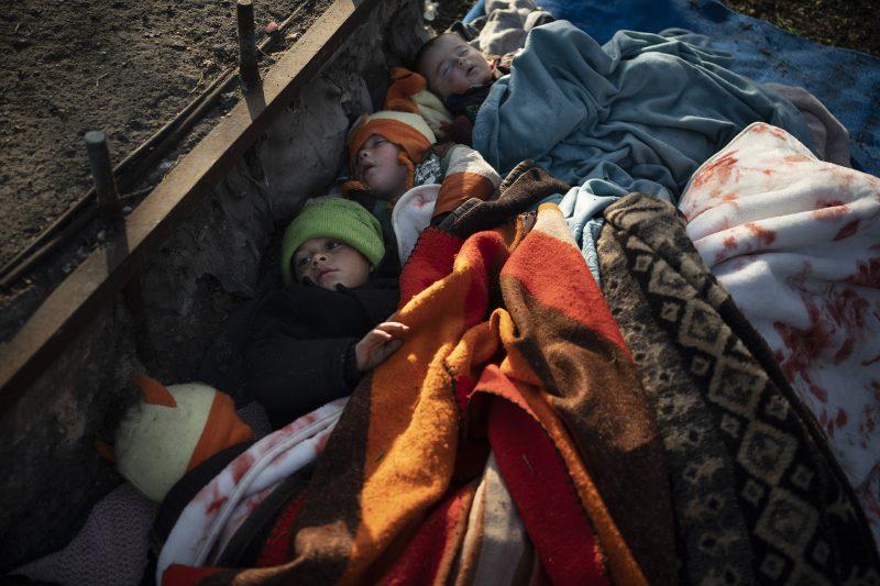 Ap 20067275571696 Hm Migrants2
